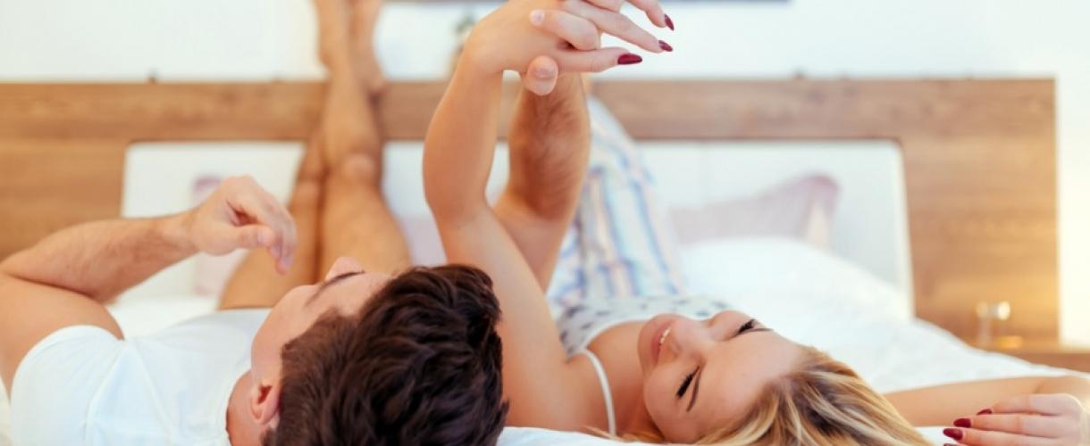 Девушка получает оргазм с судорогами ног, сантехник был трахнут смотреть онлайн