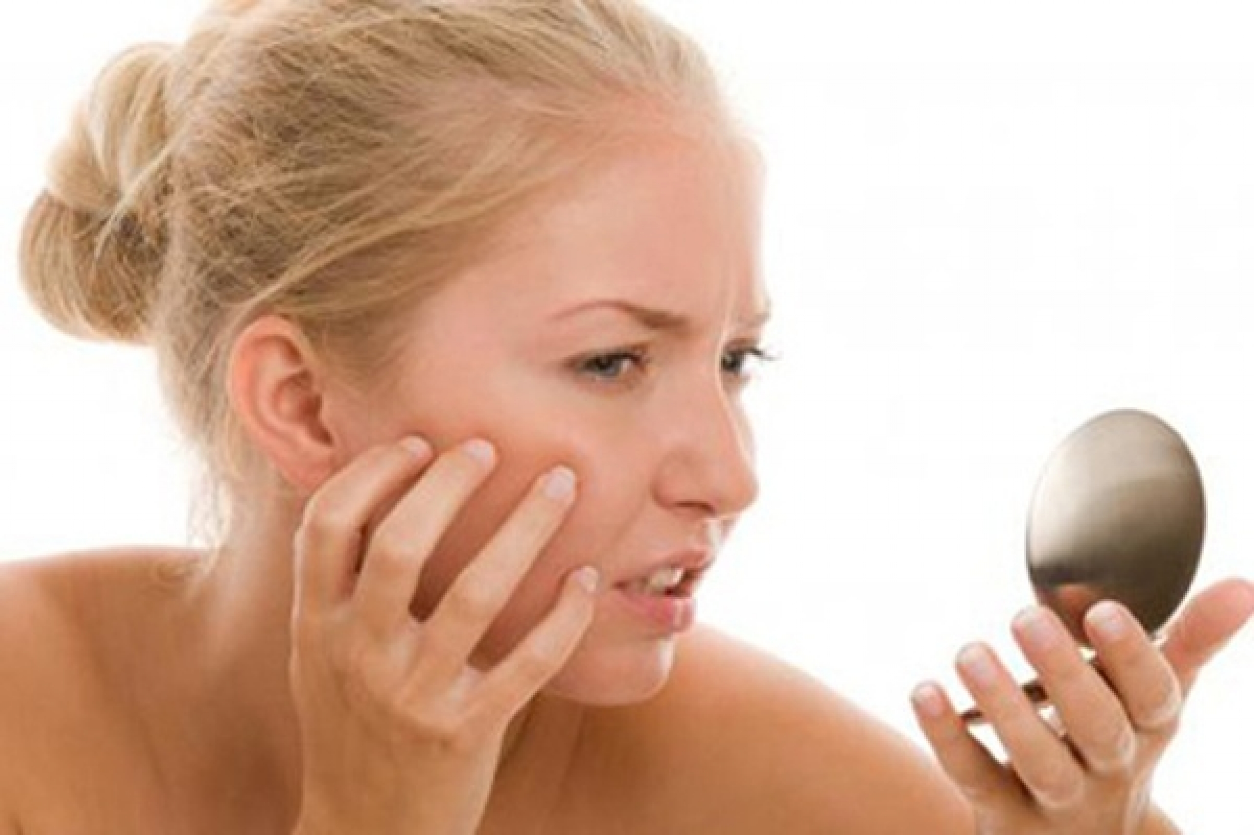 Почему шелушится кожа на лице и как ее восстановить
