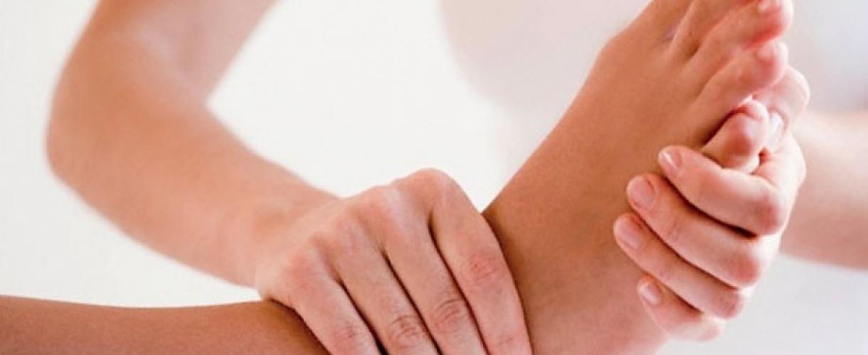 Образование жидкости в суставе голеностопа замена коленного сустава онлайн